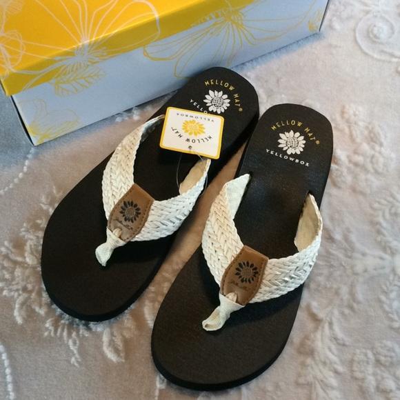 446cad16f4 Yellow Box Shoes | Yellowbox Mellow Mat White Kali Sandals 8 Nib ...